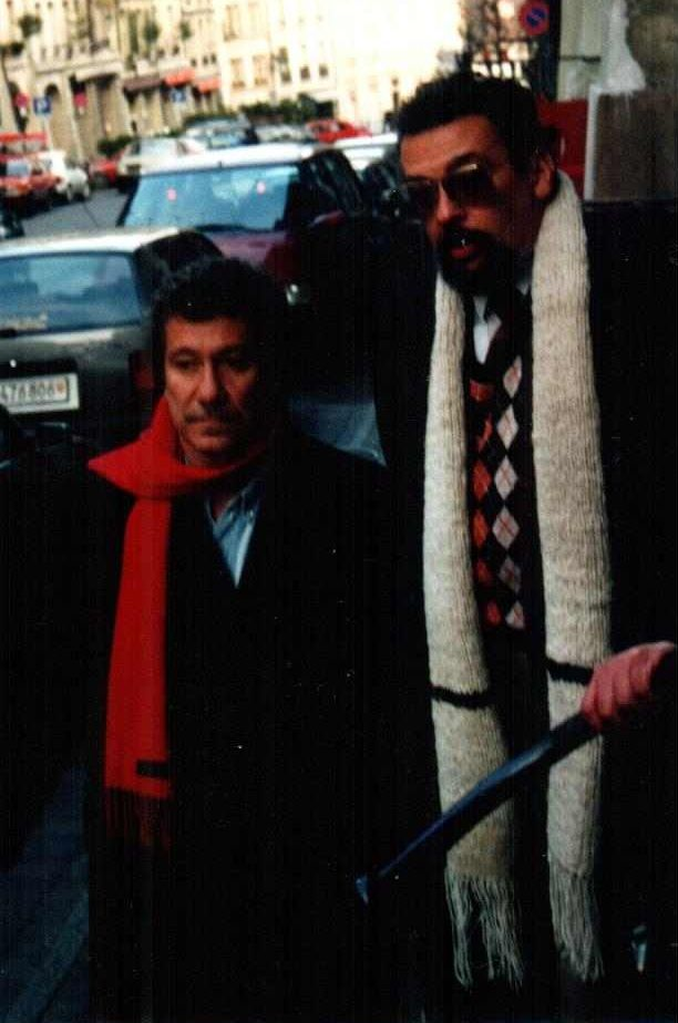 Los poetas Juan Manuel Roca (Izq.) junto a a Espinosa (Der.) en Berna-Suiza.