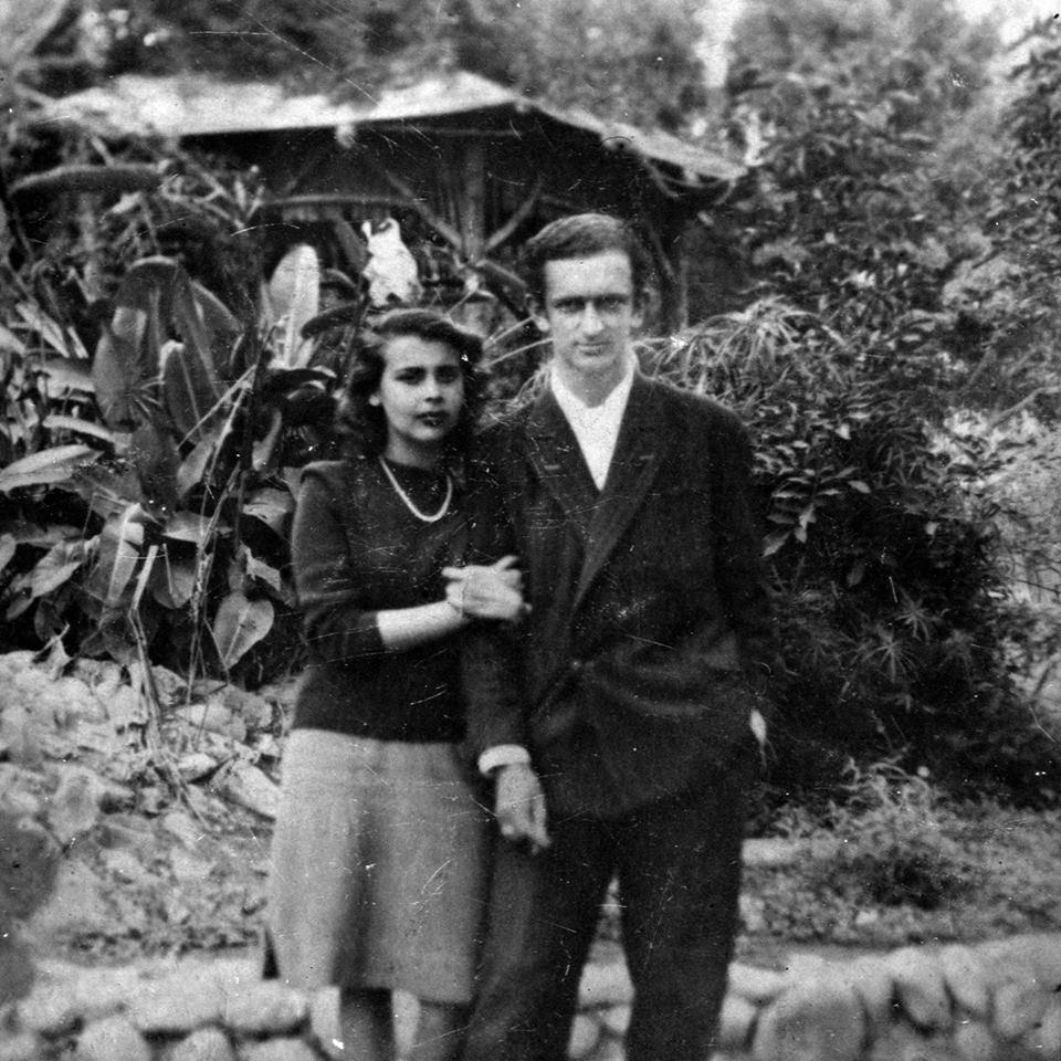 blnaca y szyszlo lima c. 1950 quiza parque de la exposicion Foto autor desconocido  Archivo Blanca Varela