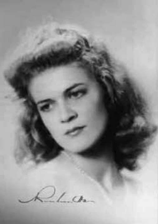 La poeta Carilda Oliver. C. 1945.