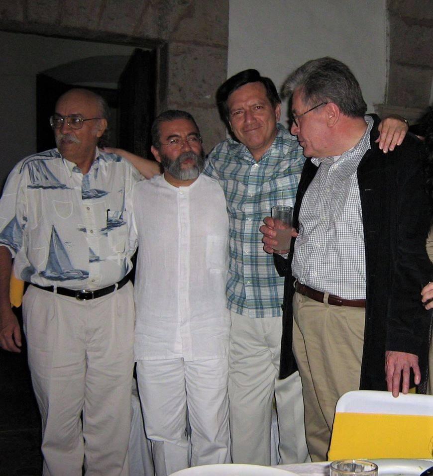 Poetas fraternos: (de izq. a der.) Armando Romero (Colombia), Efraín Bartolomé (Mexico), Miguel Ángel Zapata (Perú) y José Emilio Pacheco (México).