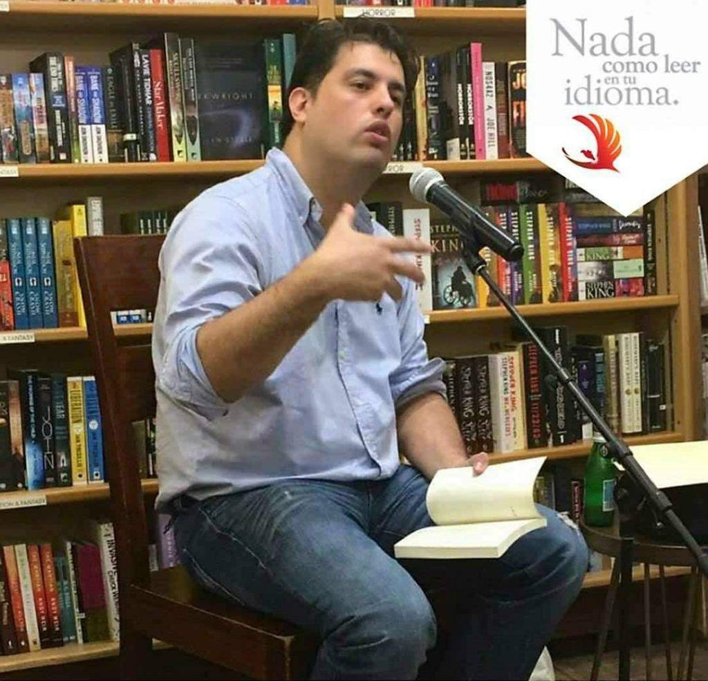 El poeta Alberto Valdivia.