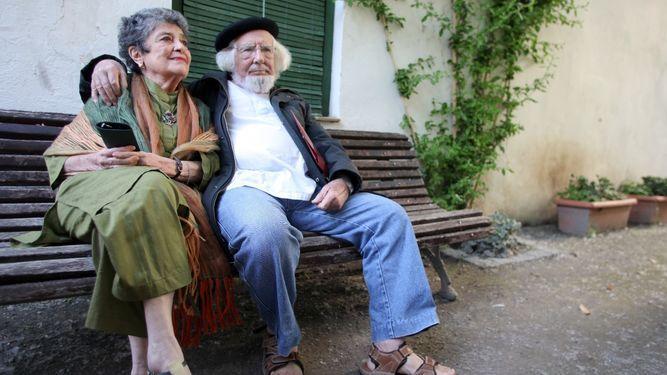 Reunión de poetas. Claribel Alegría y Ernesto Cardenal.