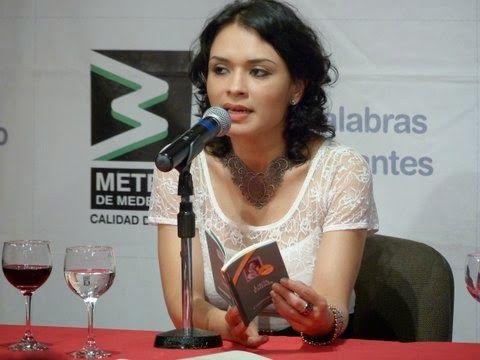La poeta Lucía Estrada. Crédito de la foto Liliana Isabel Velásquez