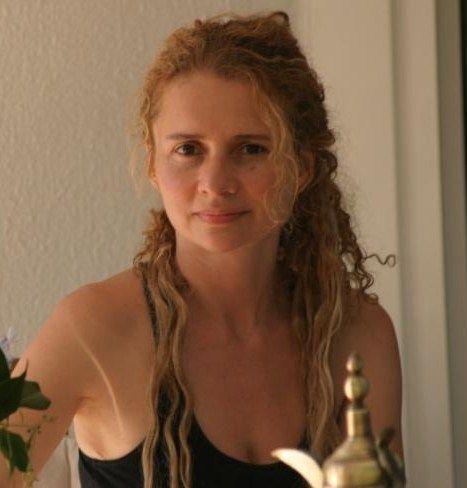 La poeta Adriana Hoyos