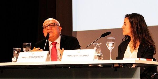 Presentación en Madrid - España del poemario acompañado de Marta Ortíz Canseco